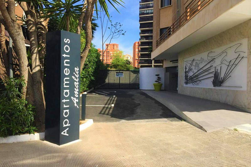 MC Amalia Apartment Levante Benidorm Spain - entrance