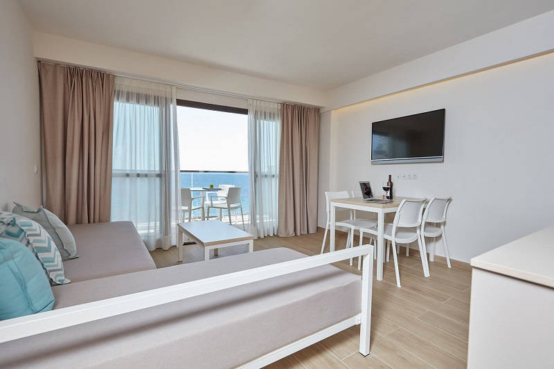 Don Cesar beach front apartments Benidorm - lounge