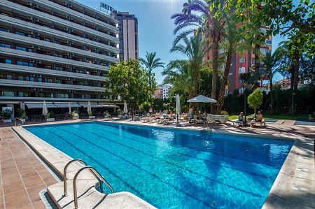 3 star Hotel Benilux Park in the old town of Benidorm