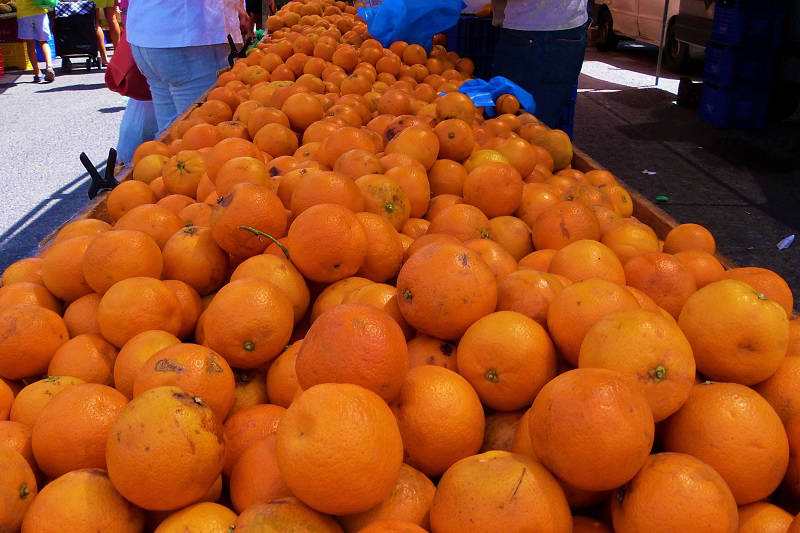 Cala de Finestrat Market Fresh Spanish Oranges