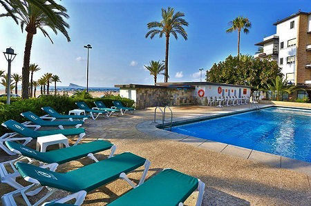 Gran Delfin is a 4 Star BEACH FRONT holiday hotel in Cala Poniente Benidorm.