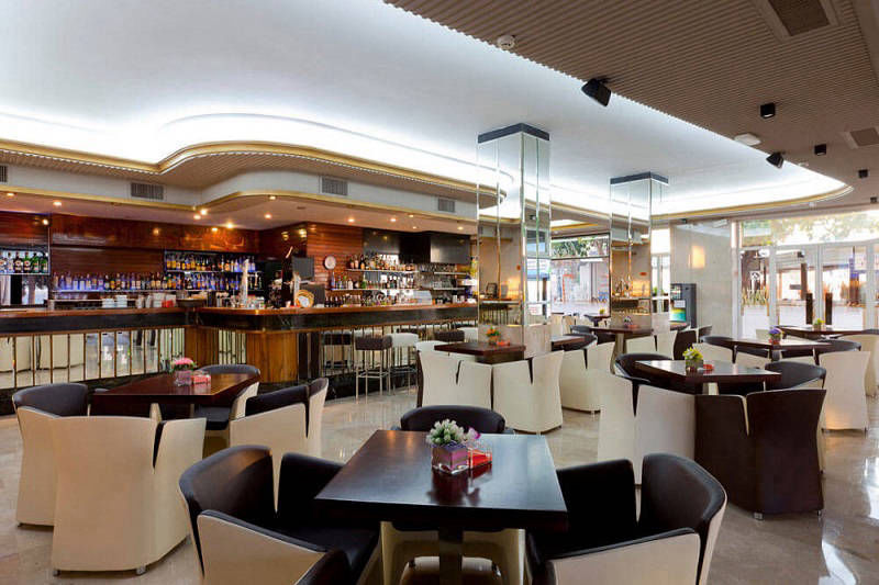Gran Delfin Beachfront 4 Star Hotel Benidorm: Lounge bar