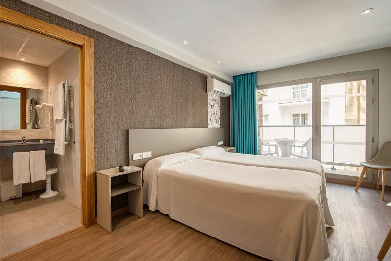 Estudios Benidorm refurbished apartments (2019) Old Town Benidorm. Bathroom