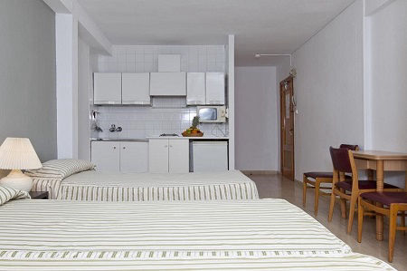 Estudios Benidorm are simple studio apartments in Benidorm old town close to the beach
