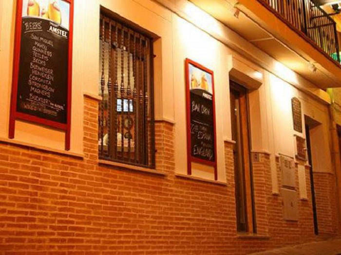 Hostal Irati Benidorm Bed and Breakfast