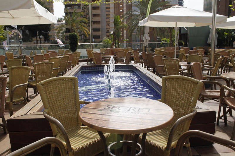 4 star Marina Hotel Benidorm: Secret Fountain rooftop terrace bar
