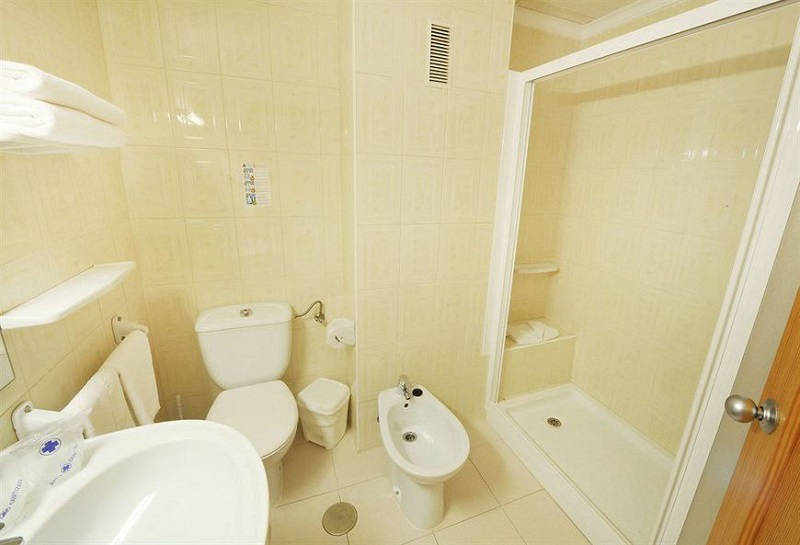Montemar Beachfront Hotel Benidorm: Bathroom