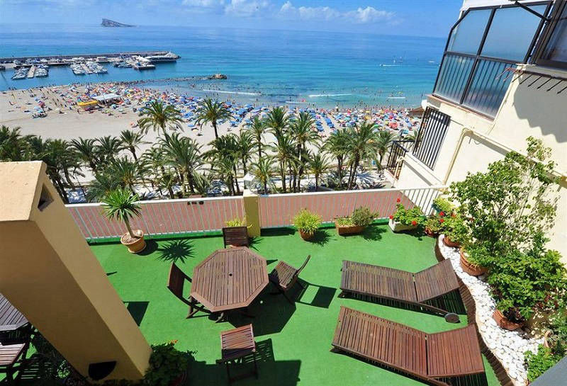 Montemar Beachfront Hotel Benidorm: Solarium roof terrace.