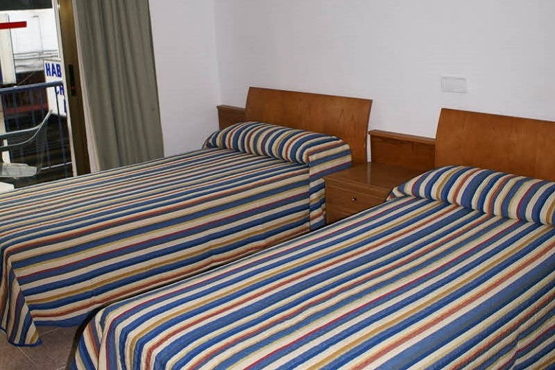Pension La Orozca Benidorm Old Town Twin - Twin Room