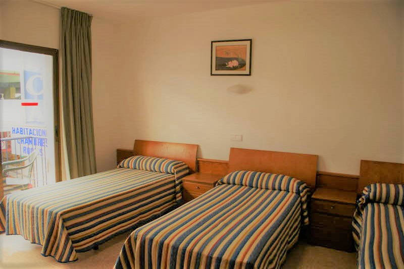Pension La Orozca Benidorm Old Town Twin - Triple Room