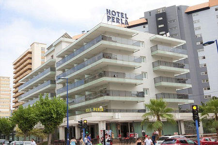 2 Star Hotel Perla is opposite the British Square in Benidorm Levante for lively holidays.