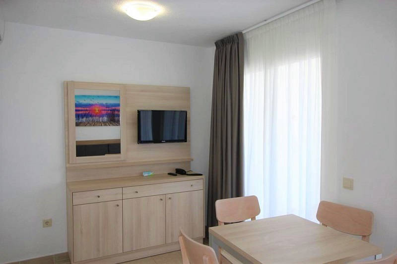 Playamar Apartments Levante Benidorm - living room with UK TV (BBC and ITV)
