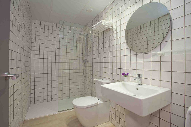 Ribera self catering apartments Benidorm old town - bathroom