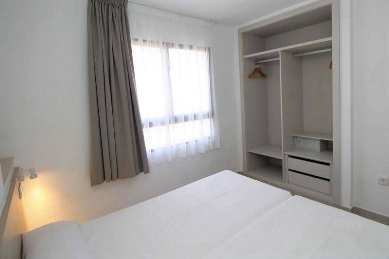 Vistamar Apartments for cheap self catering holidays in Benidorm - Twin room with safe
