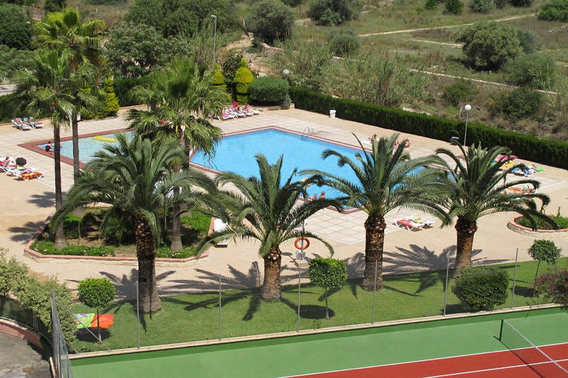 Vistamar Apartments for cheap self catering holidays in Benidorm - pool